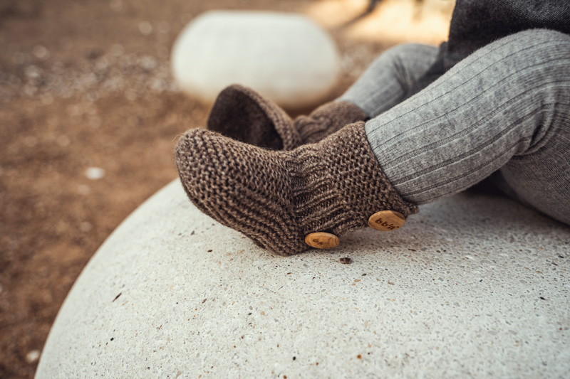 patucos de lana beige